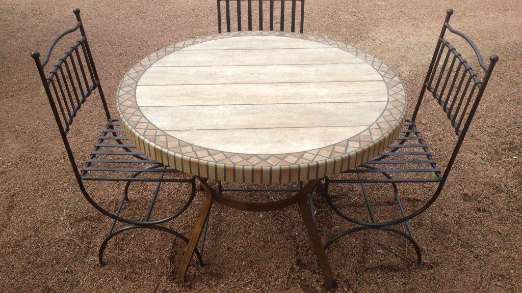 Table de jardin imitation bois - CEMATABLE